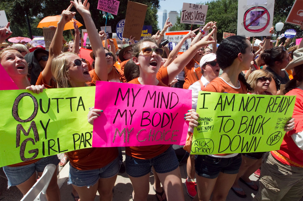 Strict Texas abortion ban in effect despite protests, appeal to Supreme Court 1