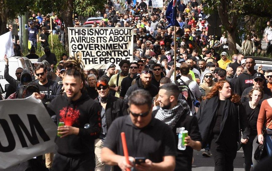 """Anti-Lockdown Protesters In Australia """"Break Police Line"""" As Clashes Erupt 1"""
