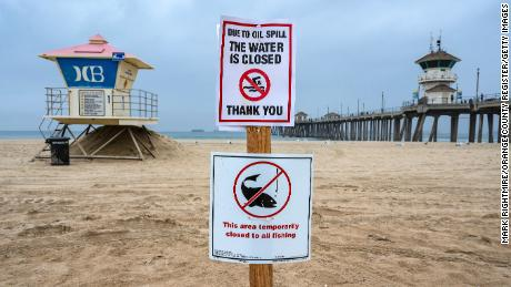 Huntington Beach reopening after oil spill shut it down last week 1