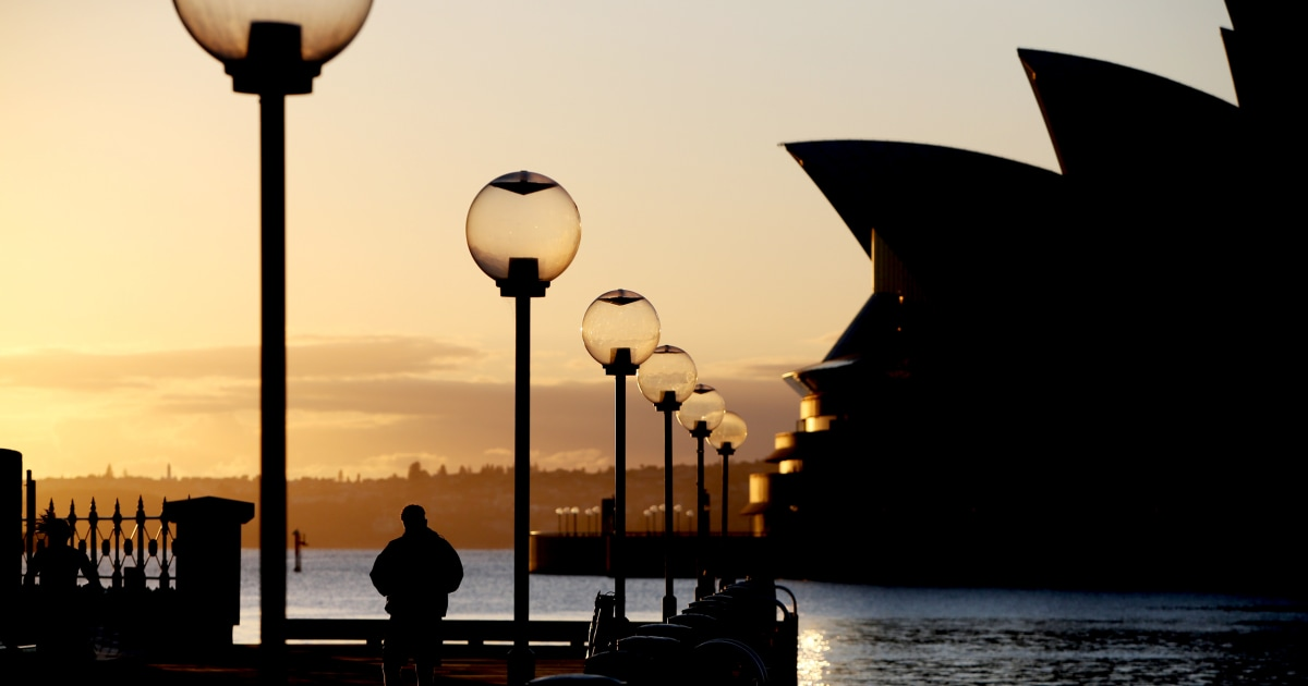 Australia's biggest city reopens after months of lockdown, but only for the vaccinated 1