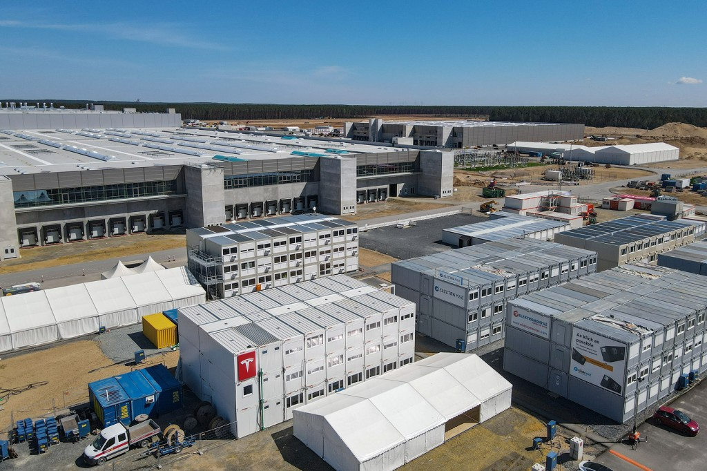 Elon Musk: Tesla's Berlin factory will open this year despite regulatory hangups 1