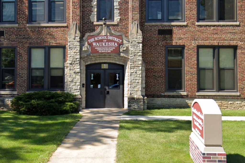 Parent sues school district after child contracts COVID-19 1